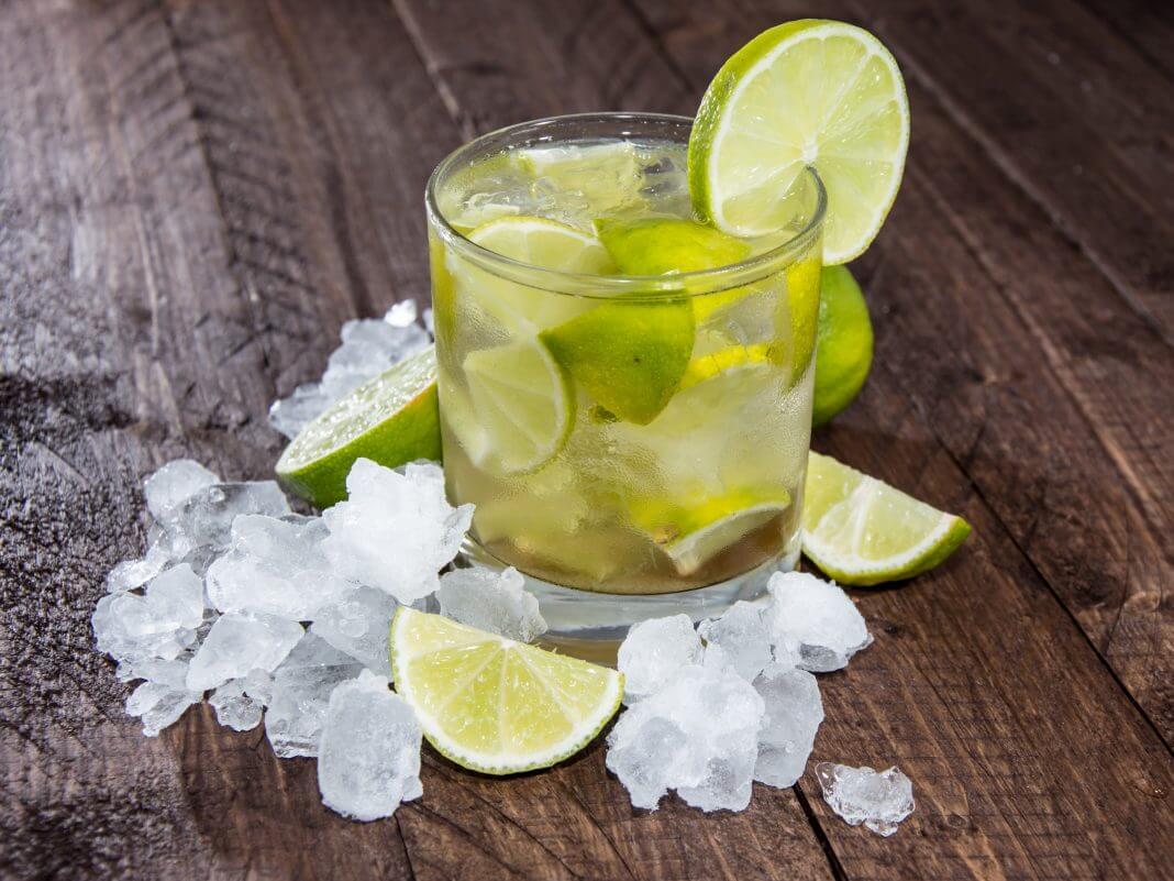 Kamikaze limonkowe – przepyszny, orzeźwiający drink