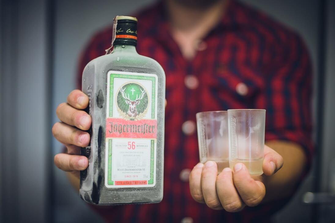 Drink z Jagermeistrem i sokiem żurawinowym