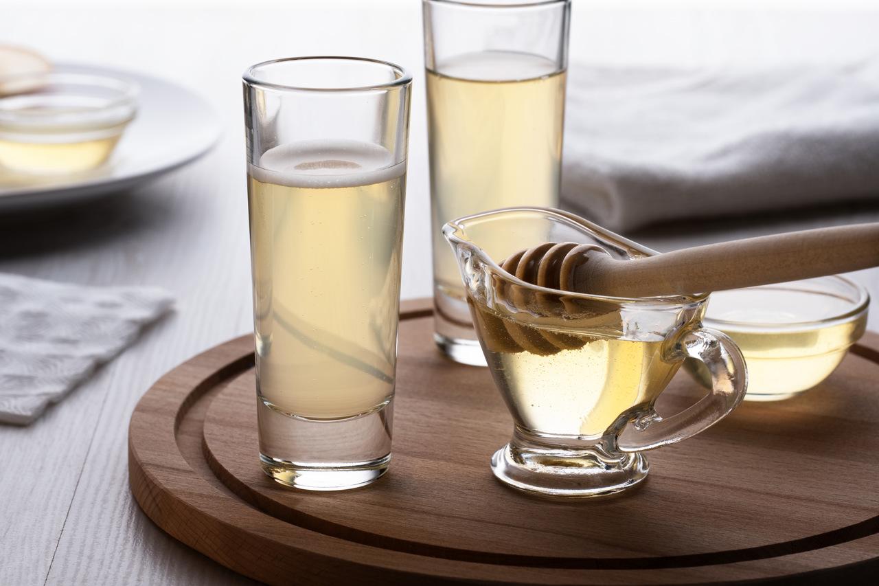 Drink z miodem i ginem – doskonały aperitif