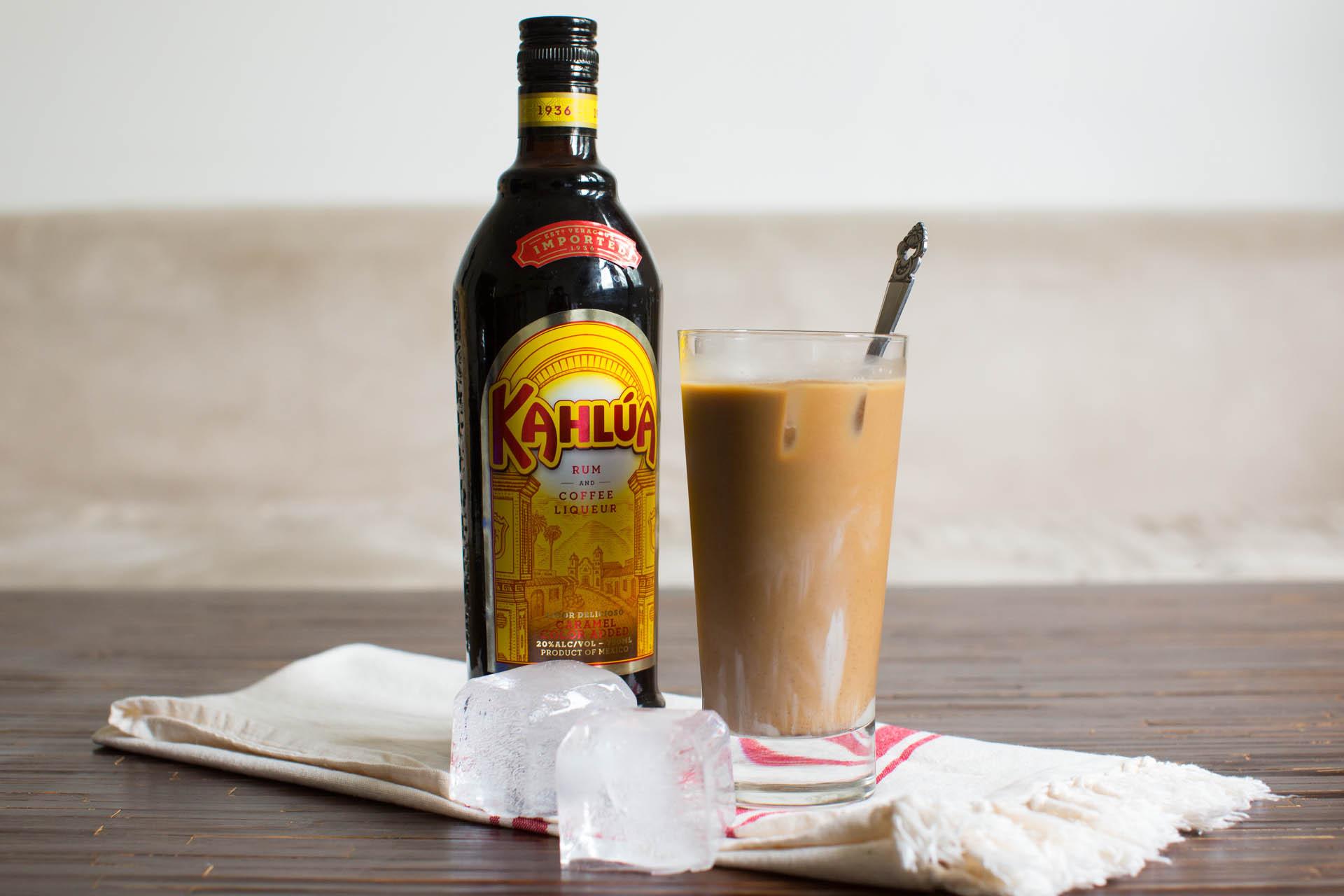Drink z kahluą i wódką czyli czarny rusek